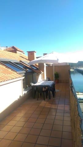 Acogedor ático con terraza - O Grove - Apartamento
