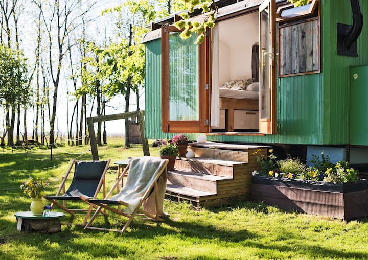 Tiny Inn - ecological tiny house on wheels + bikes