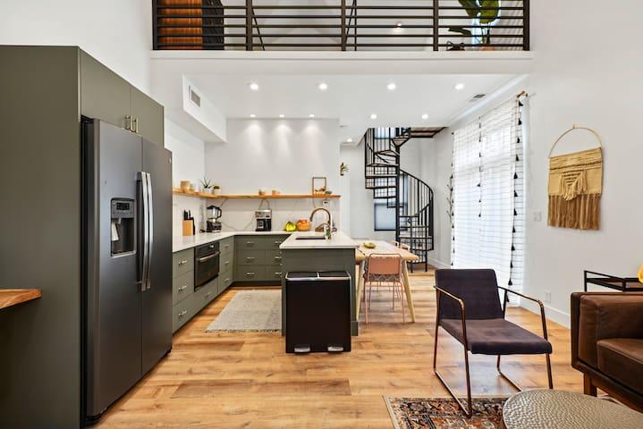 Brand new 700 sq ft loft guest suite