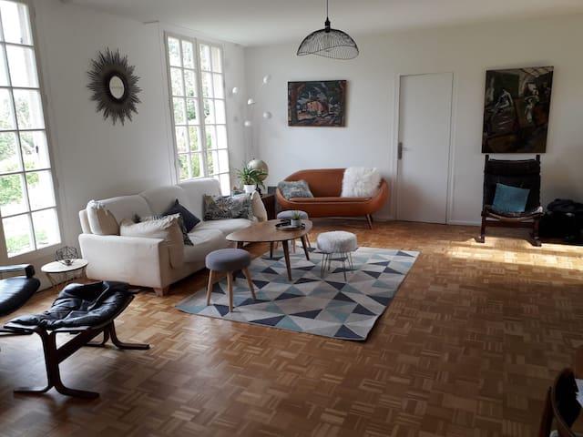 Family Home  Lyon - Spacieuse villa Ouest Lyonnais