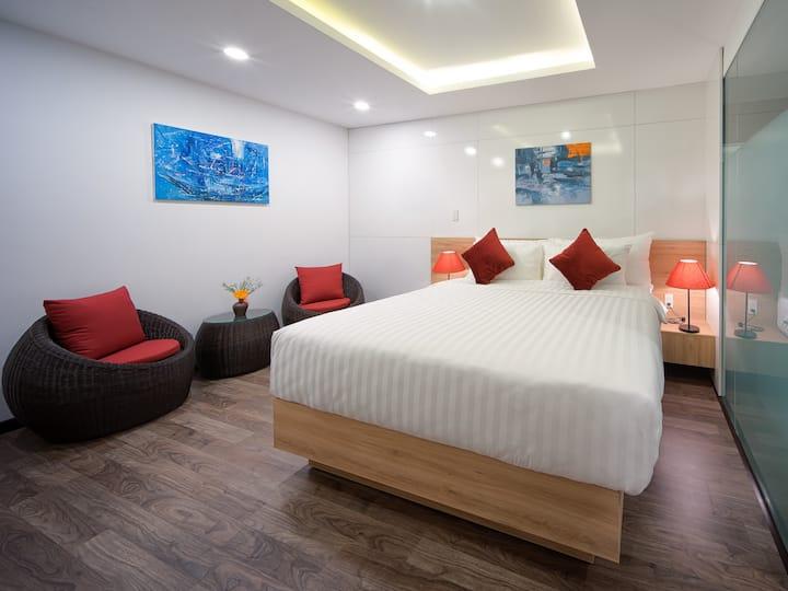 Della Standard Suite