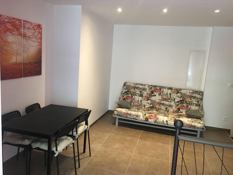studio duplex dans le quartier de valbenoite condominiums for rent in saint tienne auvergne. Black Bedroom Furniture Sets. Home Design Ideas