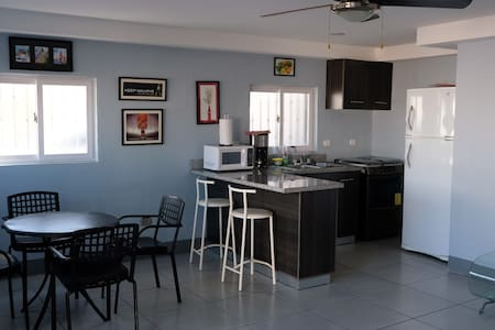 Roble Apartment, in the center of Managua