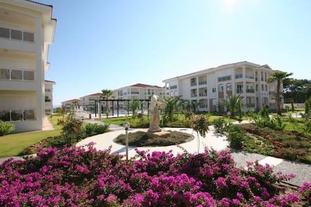 Four Seasons Residence F5 - Huoneisto