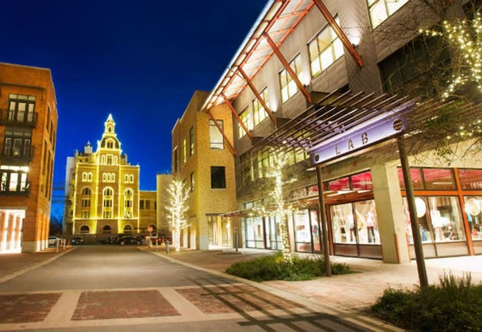 BEST LOCATION! PEARL/ALAMO/RIVERWALK/LACKLAND