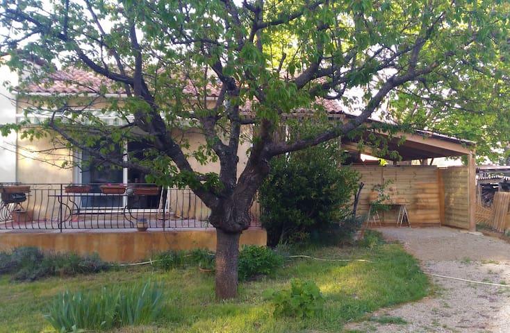 Maison proche Gréoux et Vinon - Saint-Julien - Huis