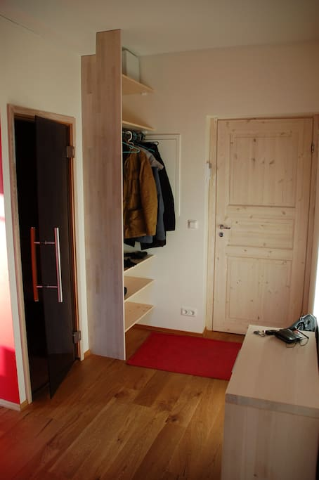 Walk in with the shoe-cupboard and the hanger