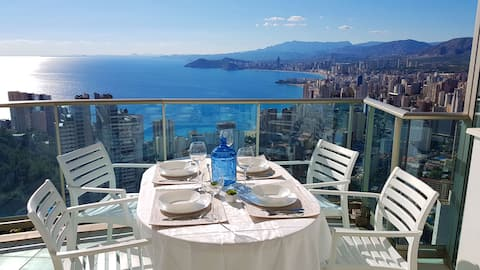 Highrise apartment with amazing views - floor 36