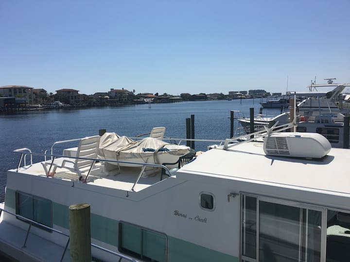 EMERALD COAST HOUSEBOAT IN Fort Walton Beach