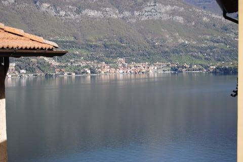 Casa da Greta overlooking Lake Como