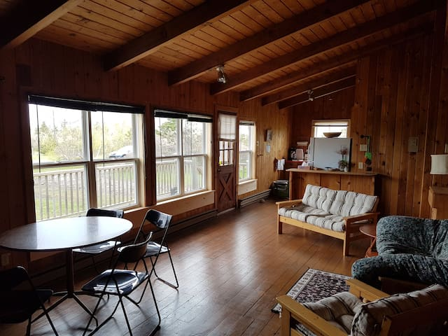 Oceanview 3 Bedroom Cottage - North Shore