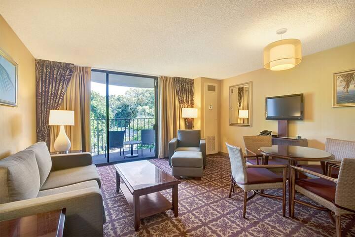 1 Bedroom Corner Suite w/Banyan View - #443