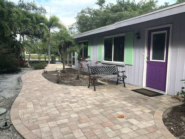 Palm Cottage in North Longboat Key