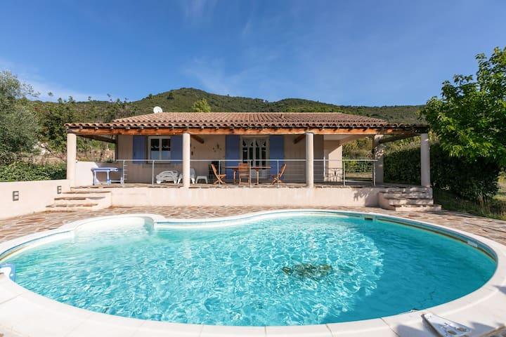 Cozy Villa in Roquebrun with Private Pool