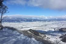 Wakaho-Taro mountain top in winter 冬の太郎山山頂からの眺め。善光寺平が一望です。