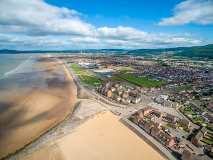3 Bed Home on Aberavon Beach 20 mins from Swansea