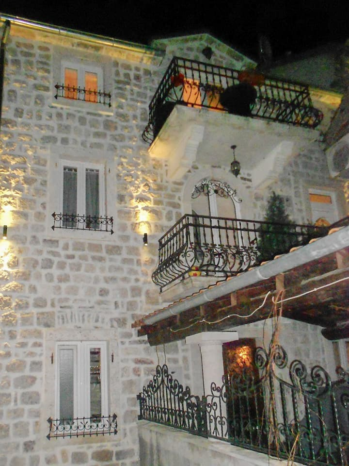 Cozy apartment in center of Risan
