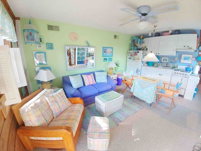 Suga Shack - King Sized Bed, Beach and Bay!