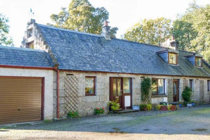 2 Stittenham Cottage, Ardross