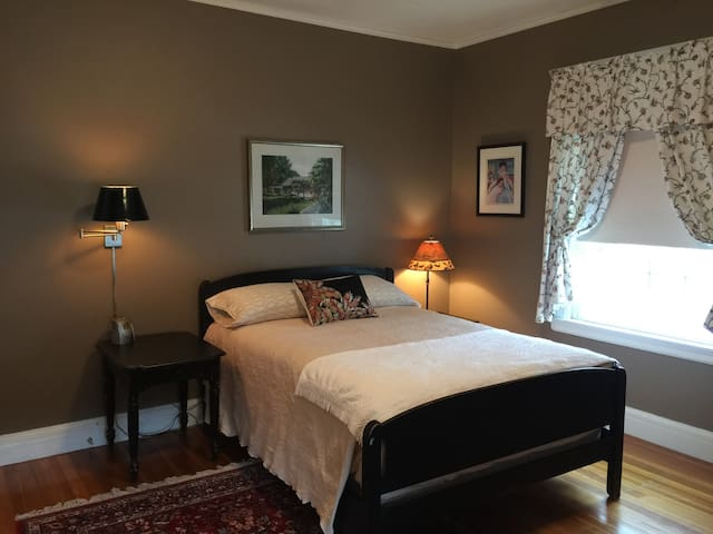Classic Dutch Colonial - Holyoke - Dom