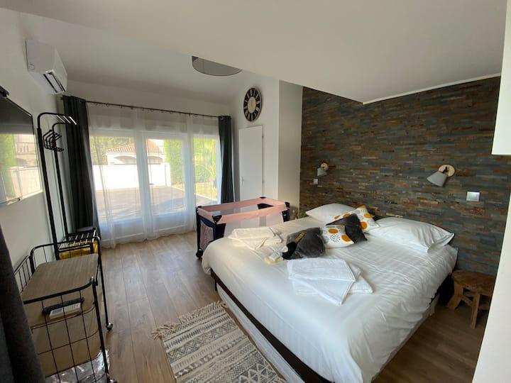 Chambre tout confort avec sde et entrée privative