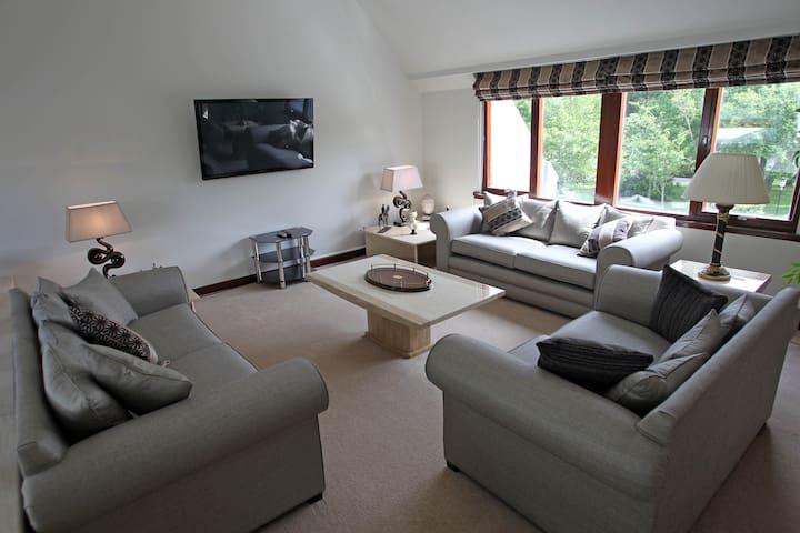 Luxury 5* Visit Scotland House Beside Gleneagles
