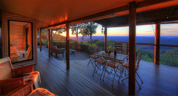 """Montville Lodge with Ocean Views - """"At Remingtons"""""""