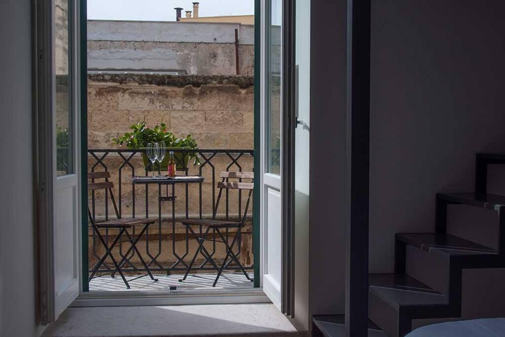 balconcino con vista sul porto