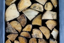 Kiln Dried Wood for use in Log Burner and Pizza Oven