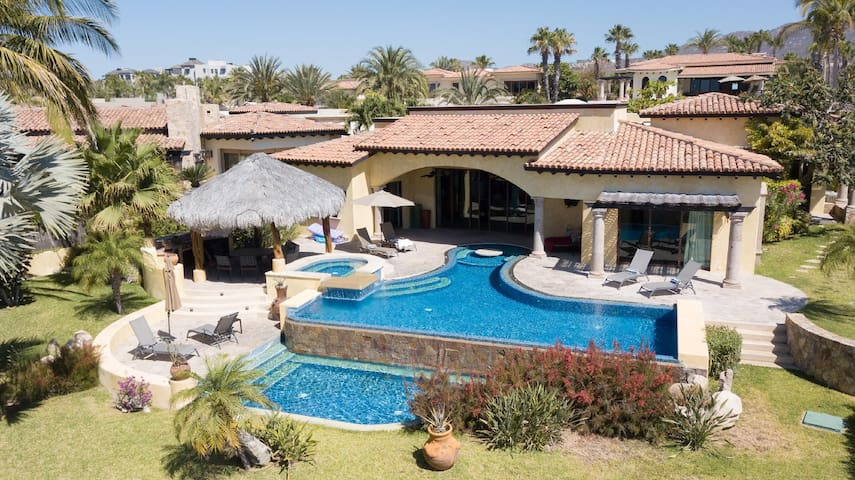Gorgeous Beach-view with Infinity Pool | 40% OFF SPECIAL! Hacienda-Style Villa Cabo MEX
