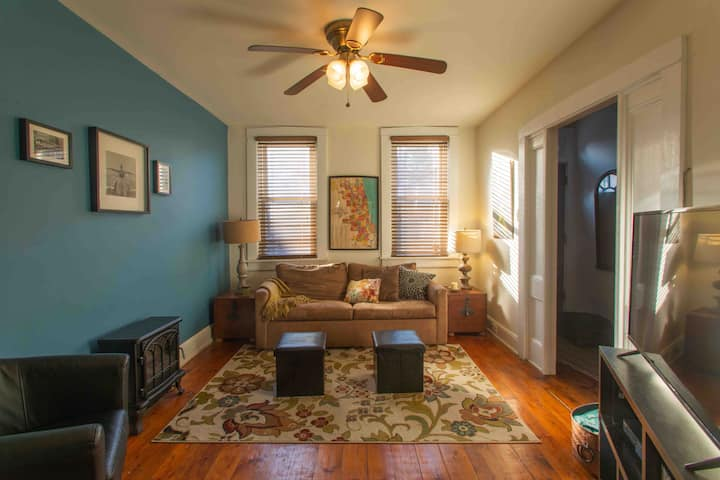 3 Bdrm Grant St Guesthouse with parking