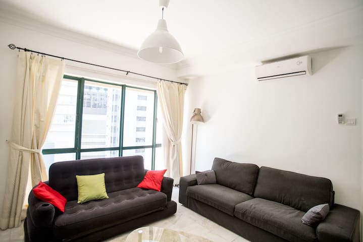 KLCC/Ampang Park LRT Spacious Home Upto 6Pax++