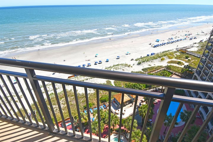 ❤️Steps from the Beach Direct Oceanfront Paradise!