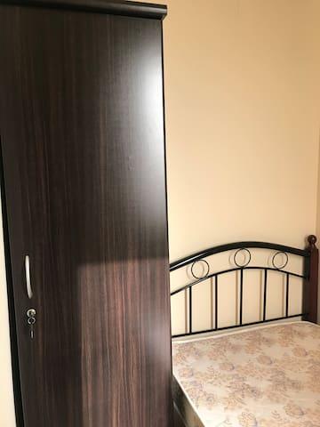 Room at Emirates Towers metro_1306/03/3..