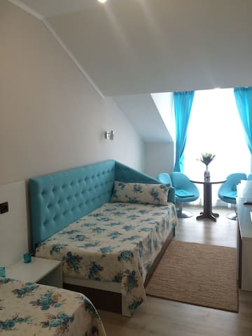 White rose Cozy double room - Burgas - Haus