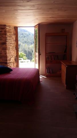 Chambre avec vue sur la vallée