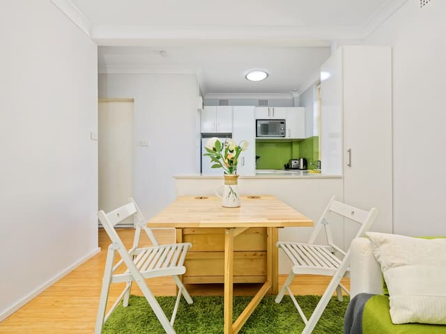 Inner West comfort - compact and great for couples - Stanmore - Apartmen