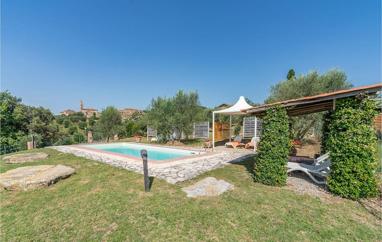 Holiday cottage with 1 room on 90m² in Castelnuovo B.ga SI
