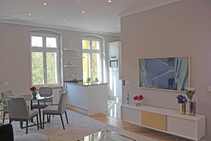 Luxurious Apartment in Mitte Prenzlauer Berg