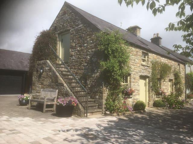 Hidden Gem Cottages - Snowdrop Cottage