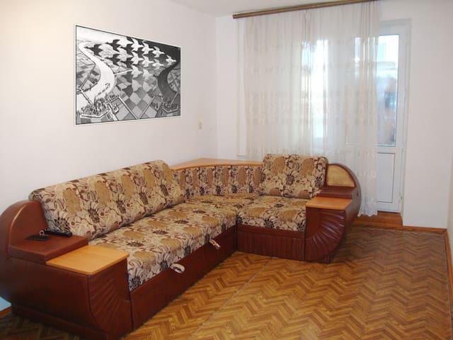 2-к квартира на Орзамиева