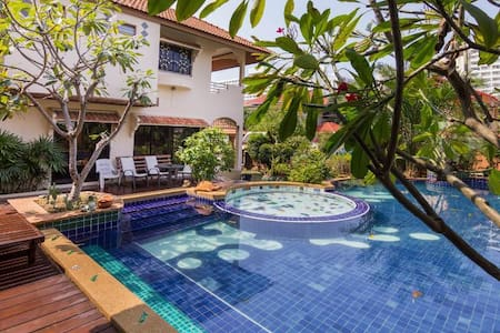 Villa Jade with 4 bedrooms and Private Pool - Bang Lamung - Villa