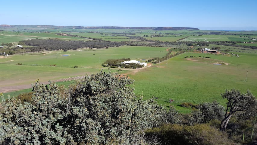 Long Neck Creek Farm Stay - 22km from Geraldton!