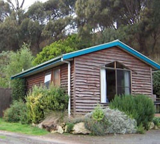Bay Reef Cottage - Port Campbell - Cabin