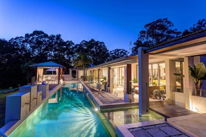Alaya Verde - Luxurious Gold Room - Ringtail Creek - Bed & Breakfast
