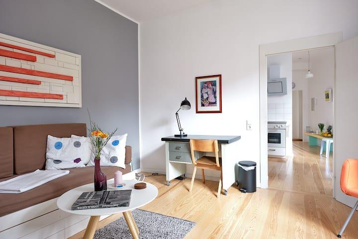 Brand new stylish flat, non smokers absolute!