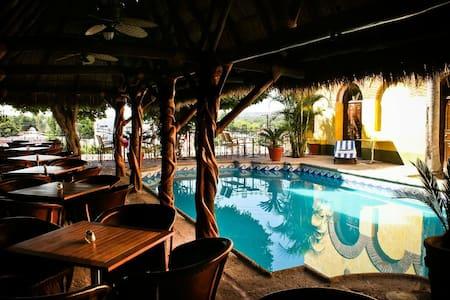 Hotel Posada del Hidalgo /El fuerte