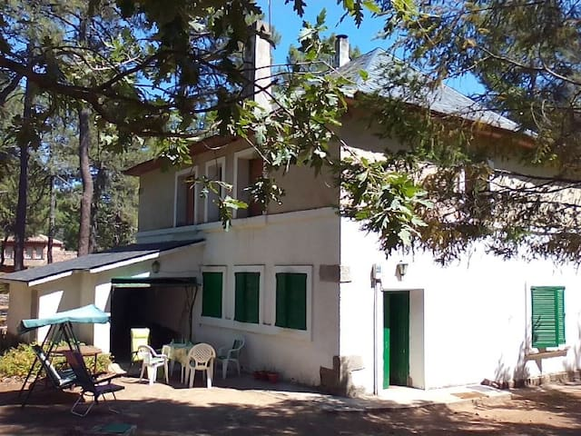 AVILA: CHALET CON AMPLIA PARCELA  - Las Navas del Marqués - Dağ Evi