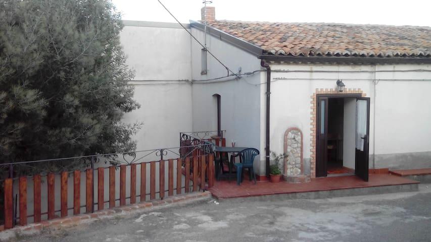 La casina dei nonni-casa vacanze nella natura - Guglielmo - House