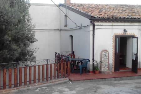 La casina dei nonni-casa vacanze nella natura - Guglielmo - Casa